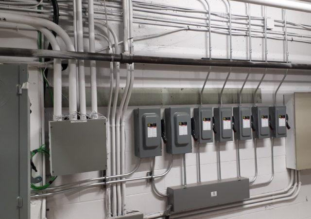 Alimentation électriques des nouveaux systèmes de chauffage des appartements Samuel-Holland